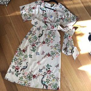 LIKE NEW dRA Avian Kimono Floral Midi Dress